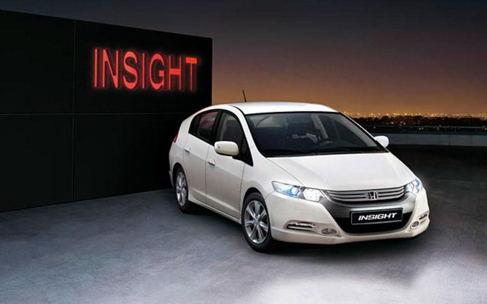 Honda Insight är mest sålda bilen i Japan
