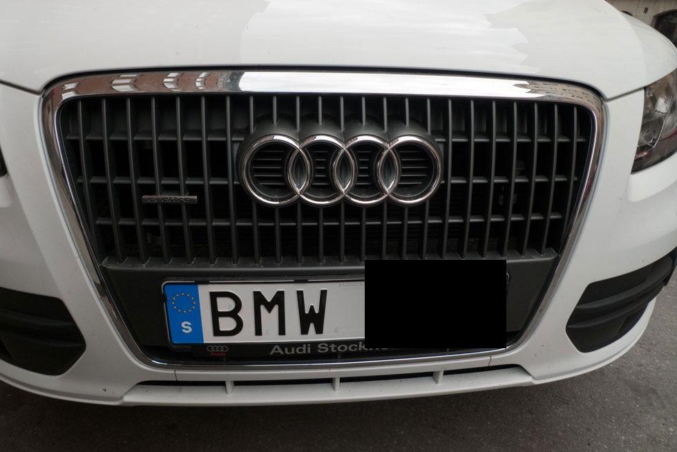 BMW-plåt på Audi Q5