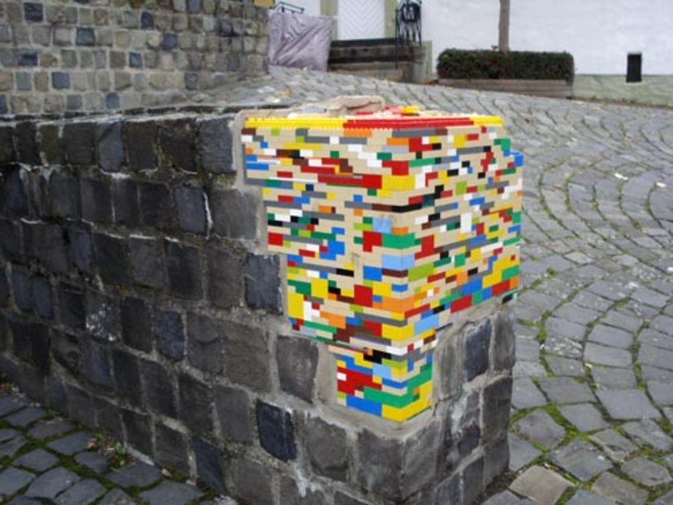 En trasig mur