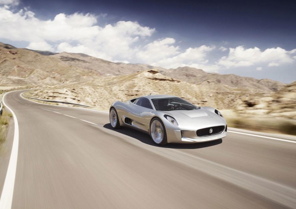 Nytt koncept från Jaguar med sex motorer