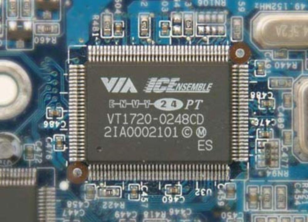 VIA utvecklar mindre USB-kontroller
