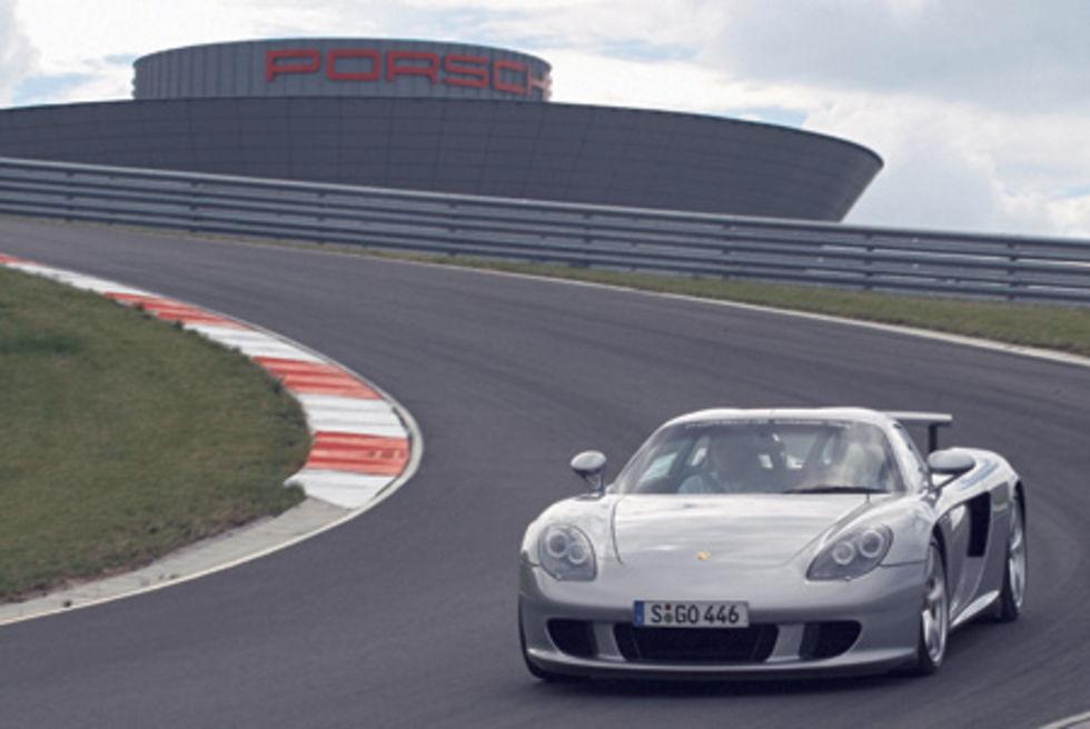VIDEO:  Porsche Carrera GT promo