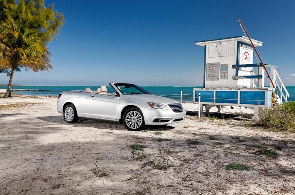Första officiella bilderna på Chrysler 200 cabriolet