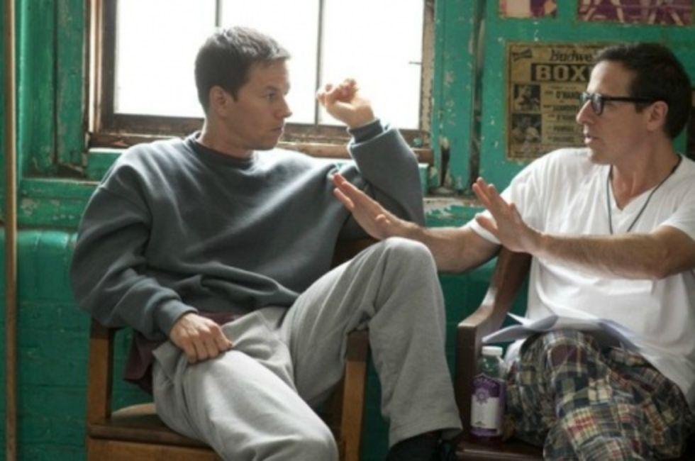 Russell letar kärleksintresse åt Wahlberg