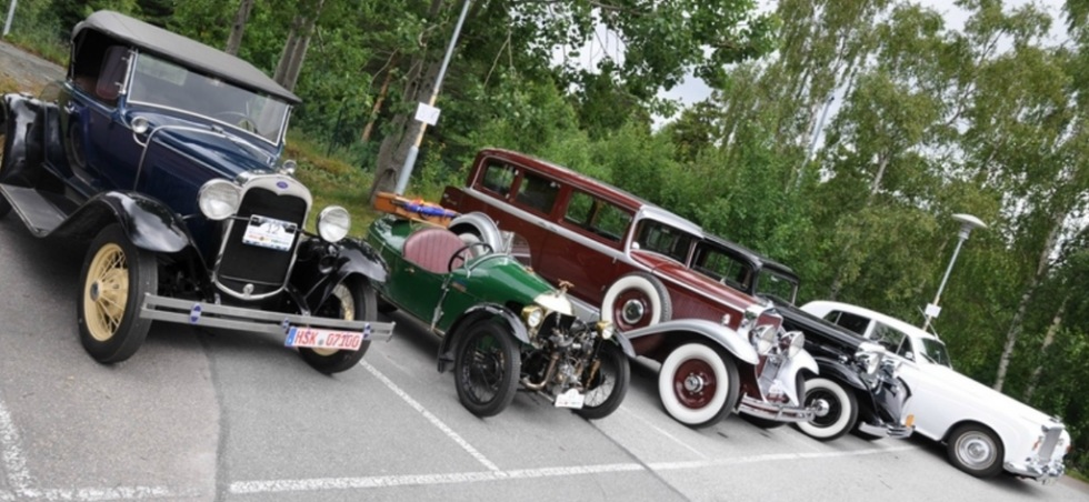 Mängder av klassiska bilar i Stockholm imorgon och på onsdag