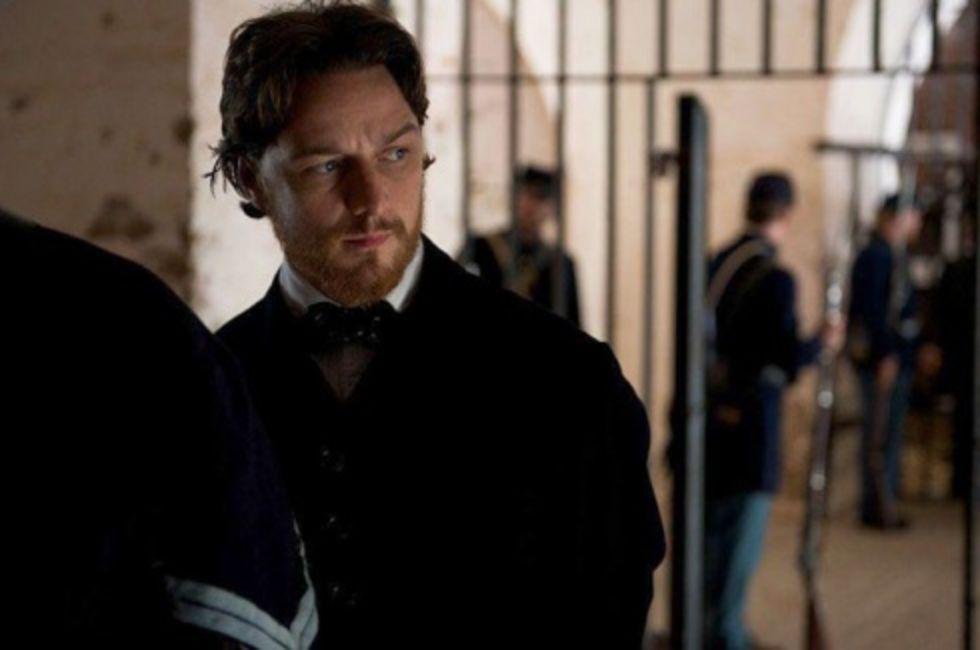 McAvoy spelar sexbesatt, knarkande polis