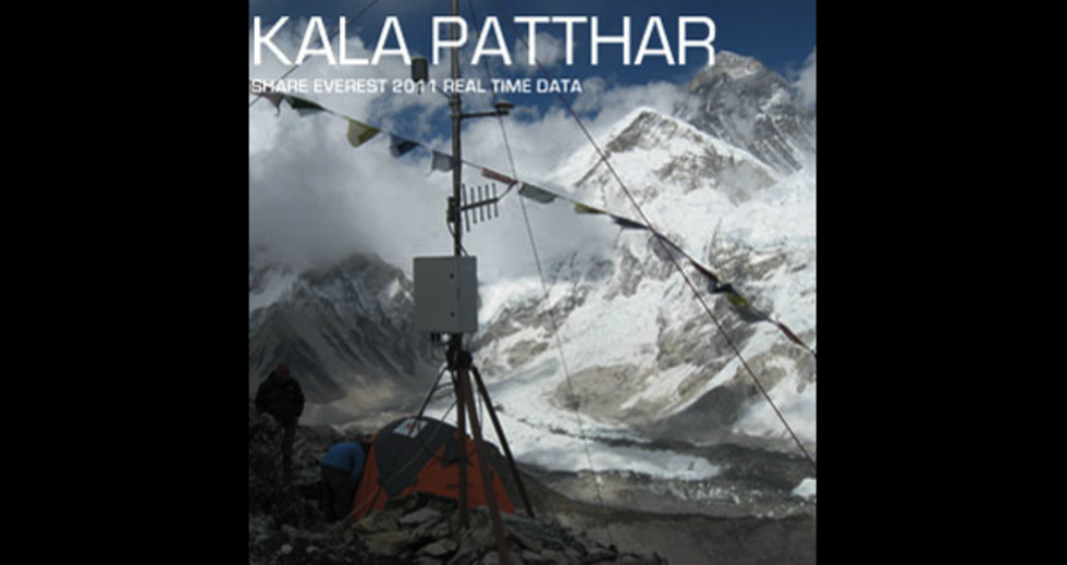 Världens högst belägna webbkamera plåtar världens högsta berg