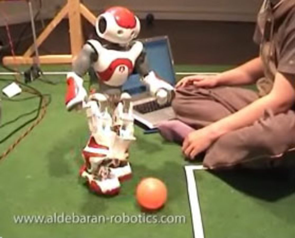 Roboten Nao visar upp sig på RoboCup