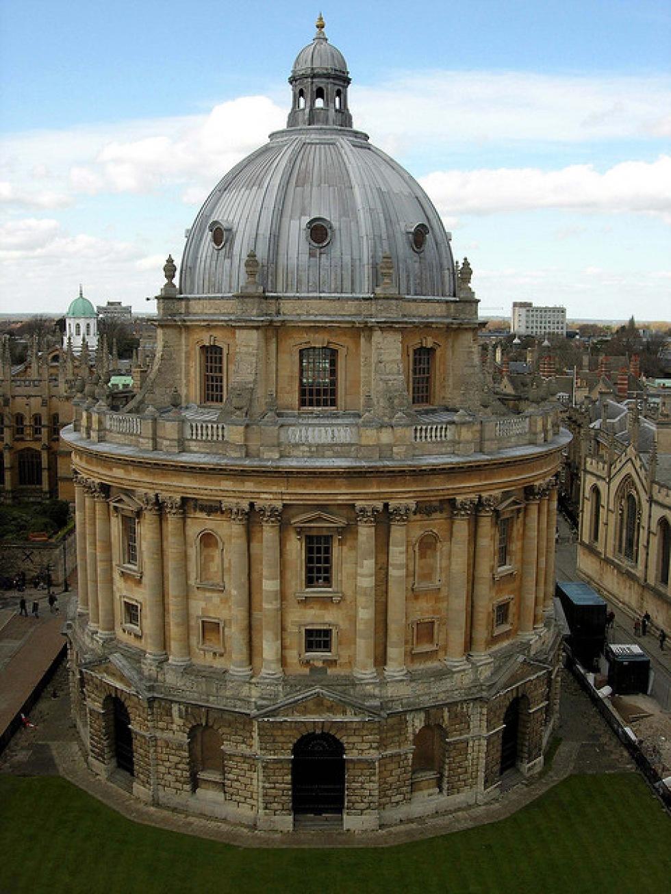 Vatikanen och Oxfords universitetet kopierar böcker