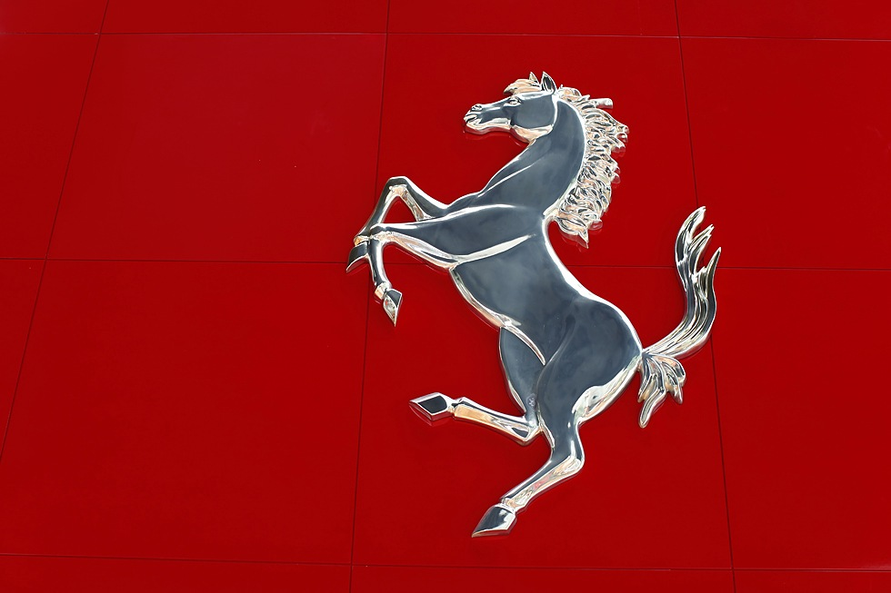 Bilar från utställningshallen på Ferrari World
