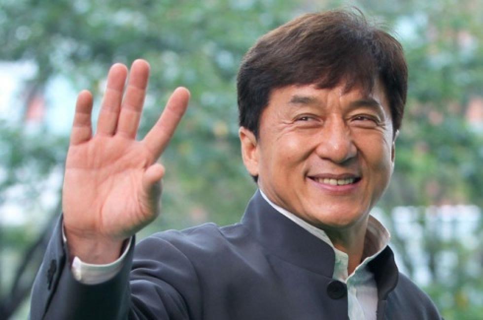 Jackie Chan slutar med action