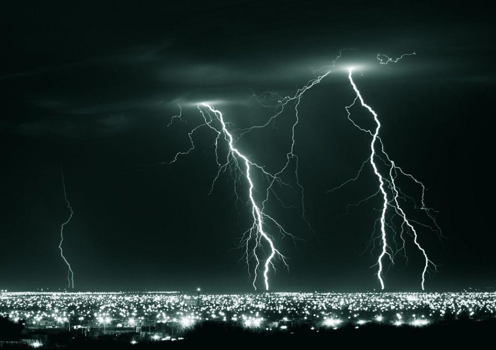 Amazons servrar utslagna av blixtnedslag