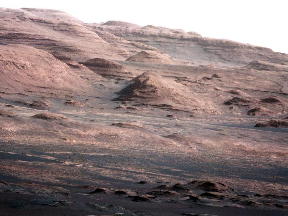 Curiosity skickar tillbaks coola bilder från Mars