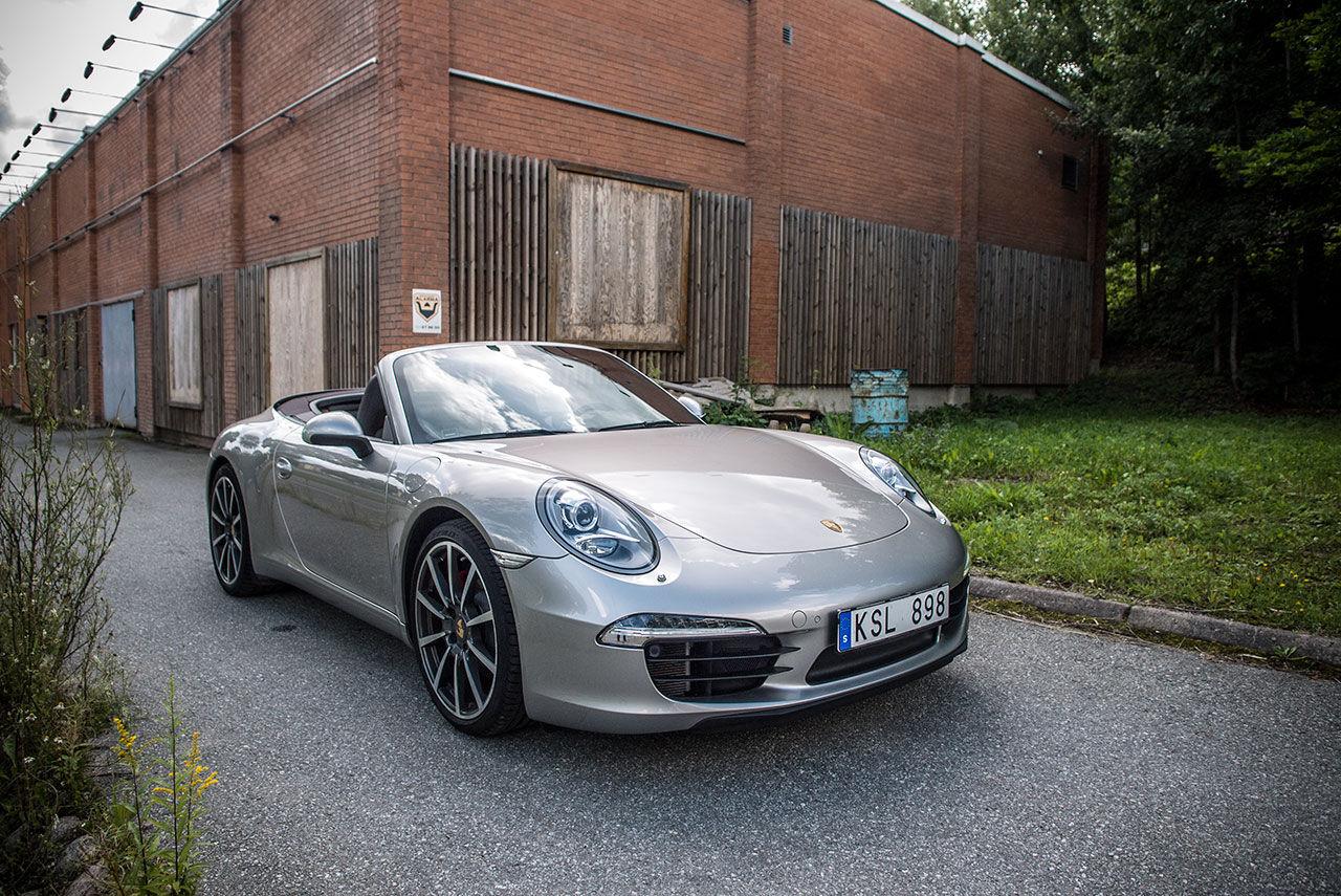 Taket och hatten av för Porsche 911 Carrera S Cabriolet