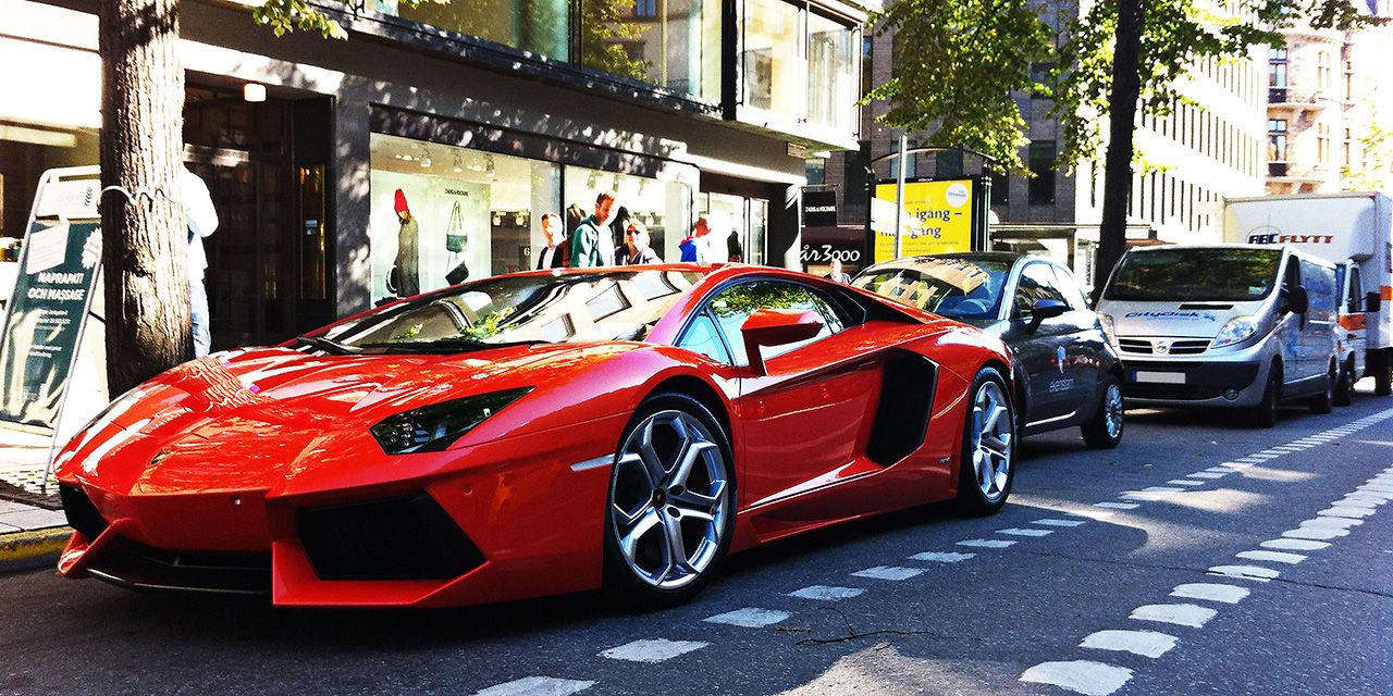 En ny och en gammal Lamborghini