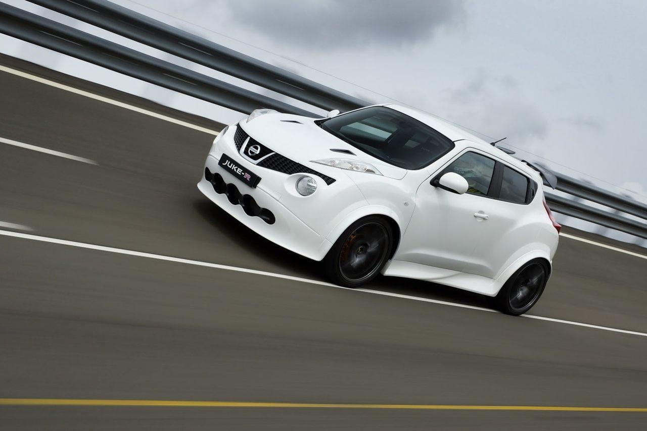 Första Nissan Juke-R redo för leverans