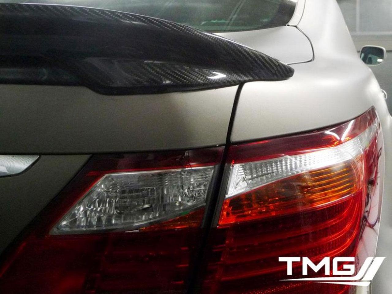 Toyota Motorsport smygvisar effektstinn Lexus LS