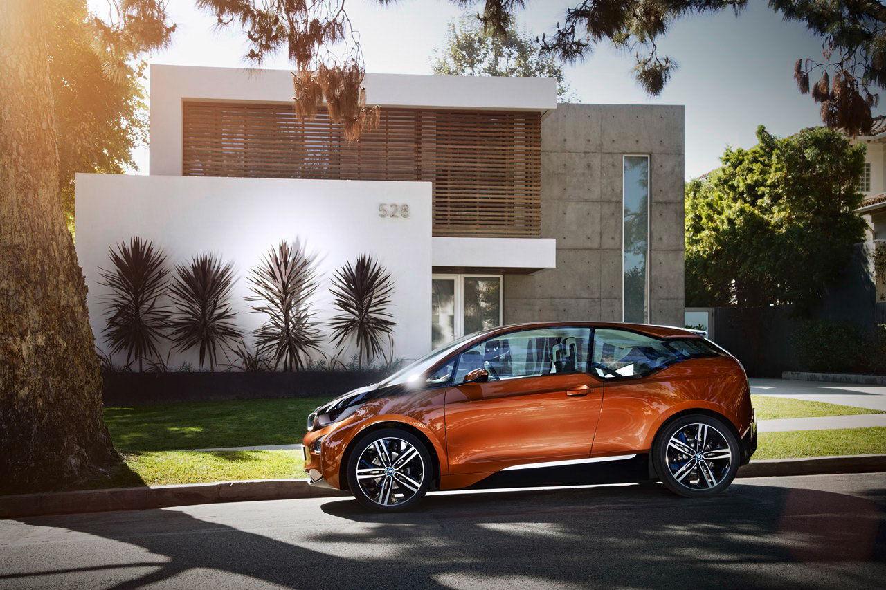 BMW visar coupé-version av lilla i3