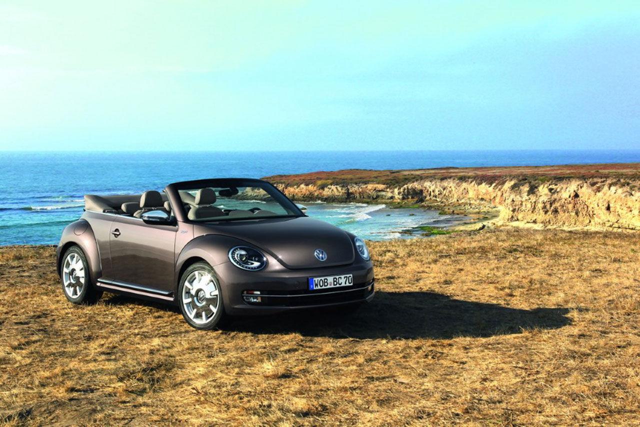 Massa nya bilder på nya Volkswagen Beetle Cabriolet
