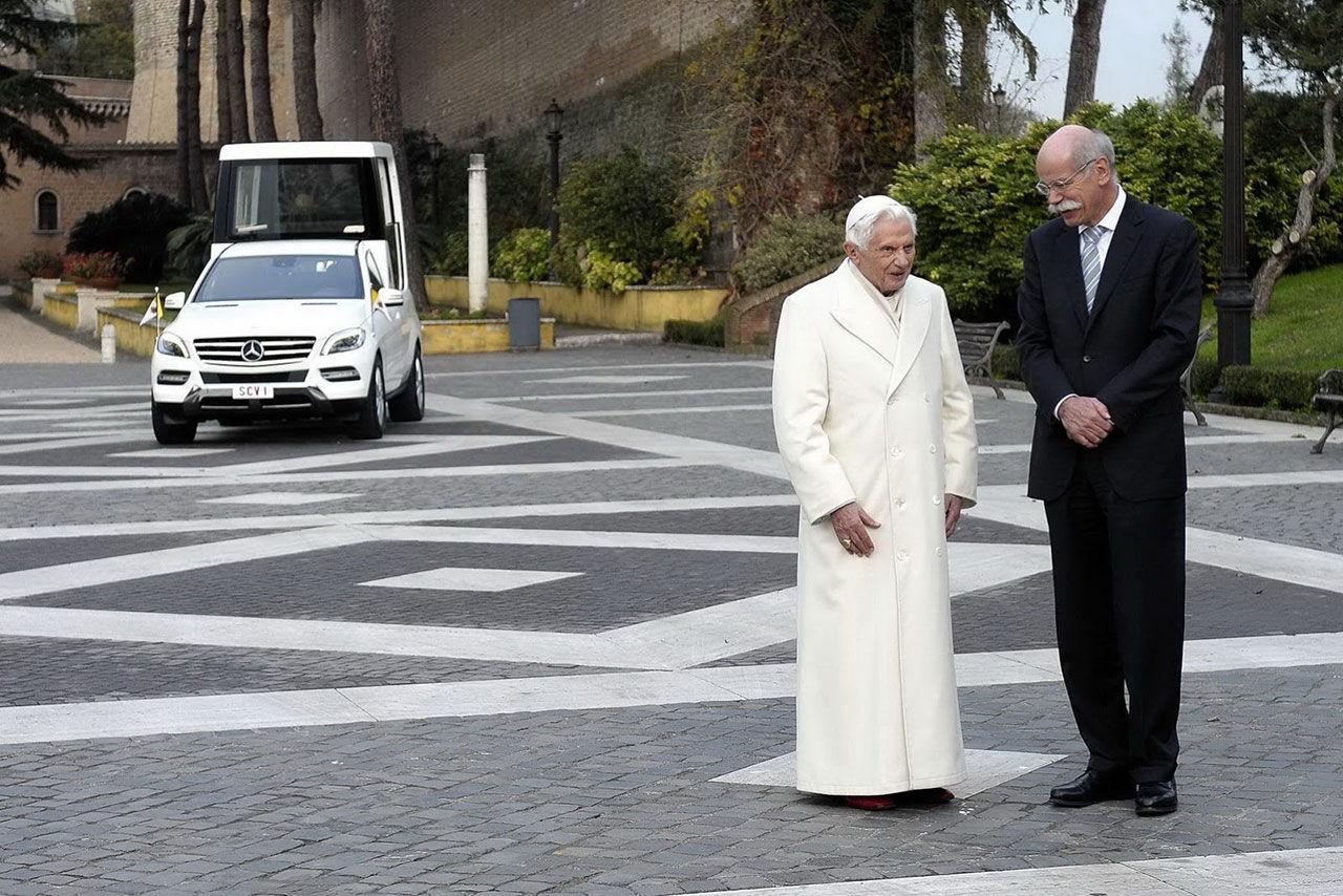 Påven har fått en ny kärra