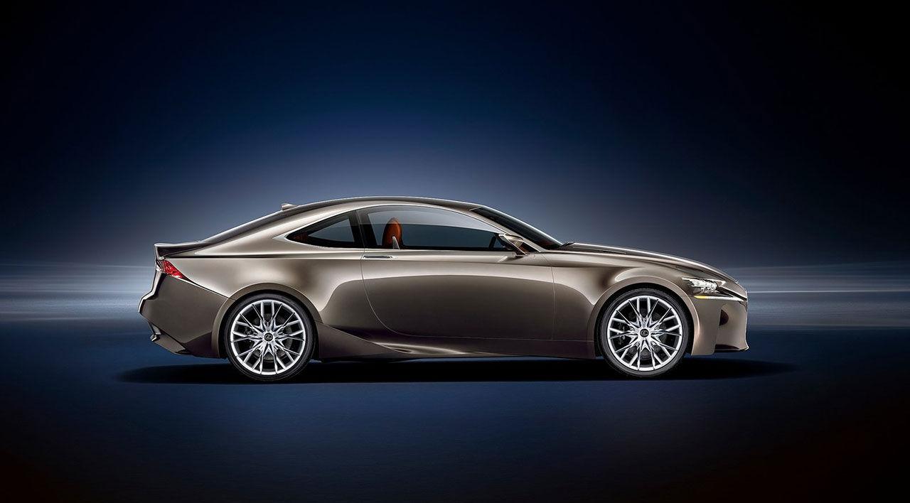 Lexus reggar namnet RC F
