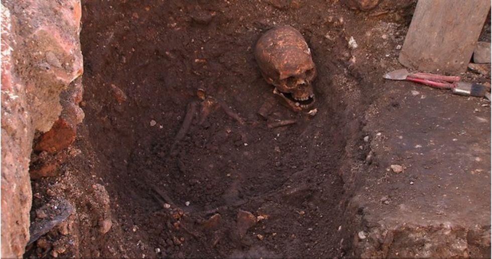 Kungliga kvarlevor hittade i Storbritannien