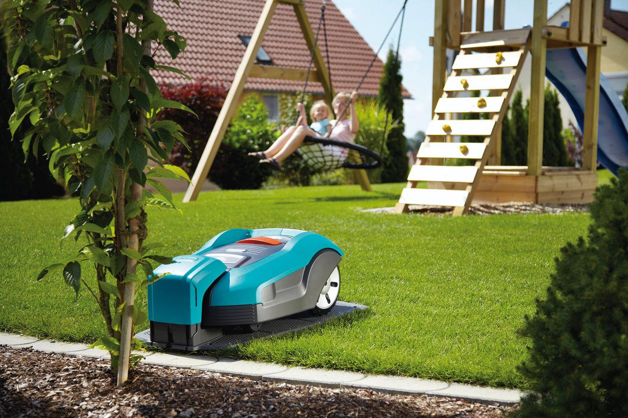 Robotgräsklipparen för den stora gräsmattan