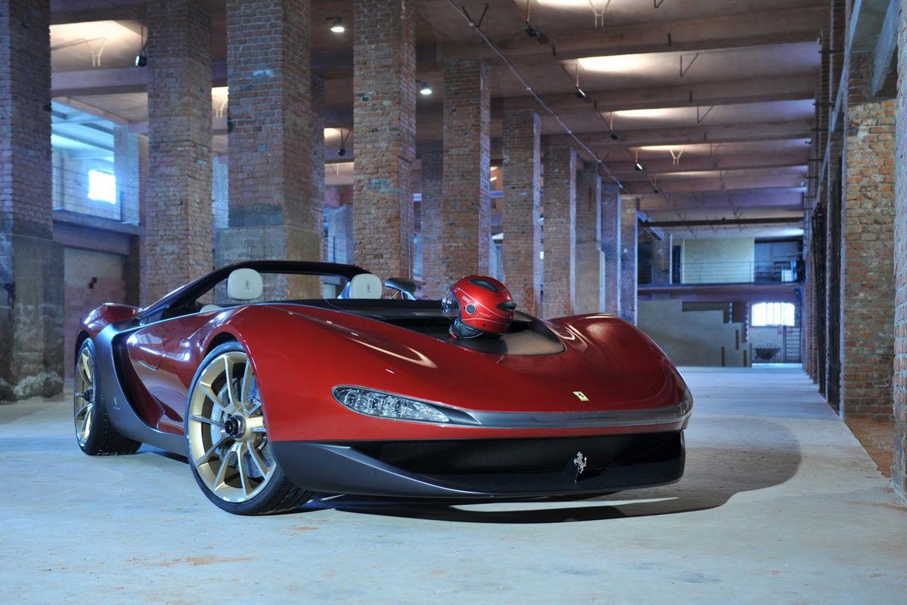 En Ferrari 458 Italia i andra kläder