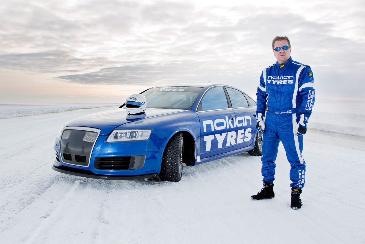 Nytt världsrekord på is - 335 km/h!