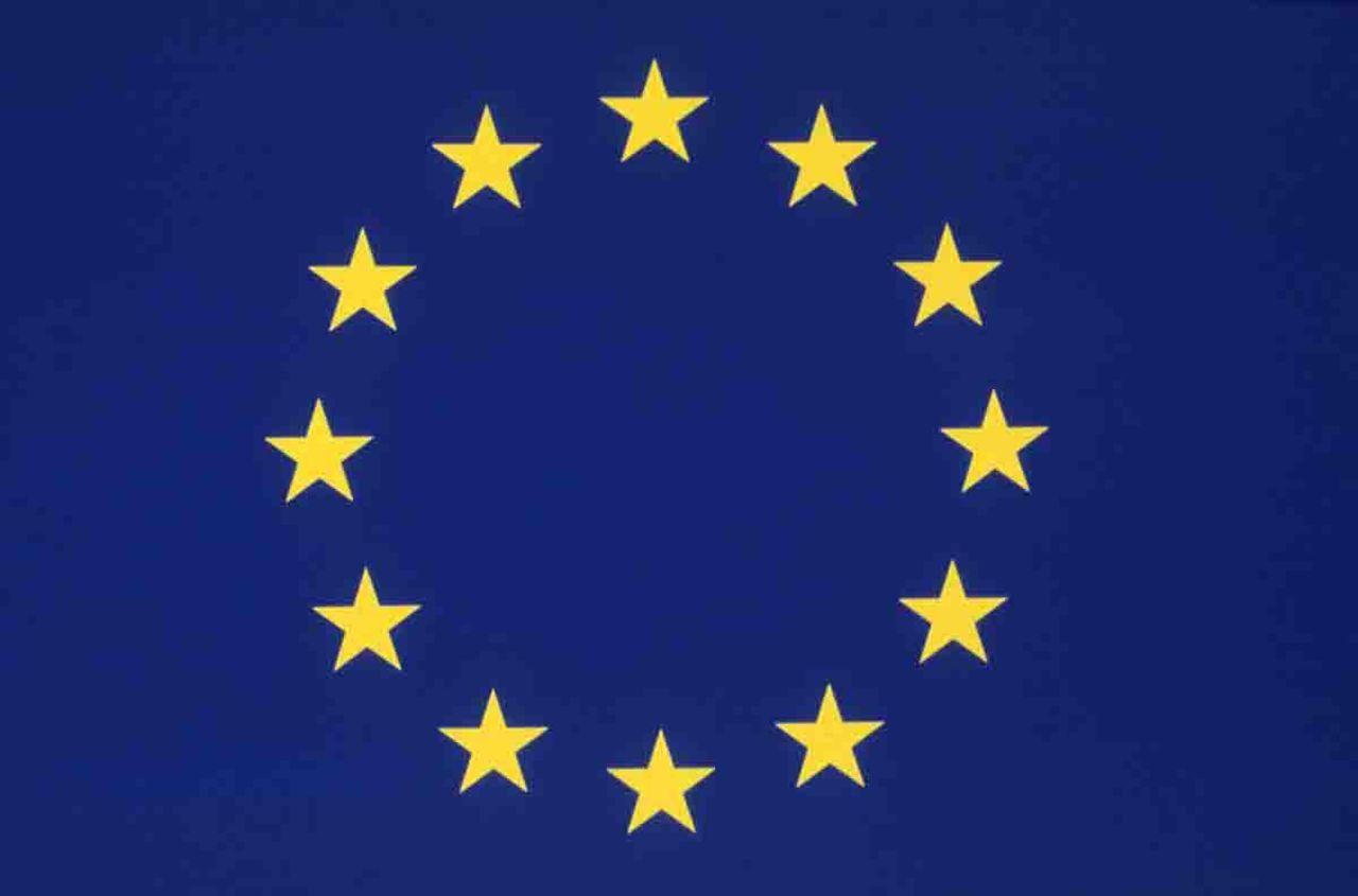 Roamingavgifter försvinner i EU nästa år!