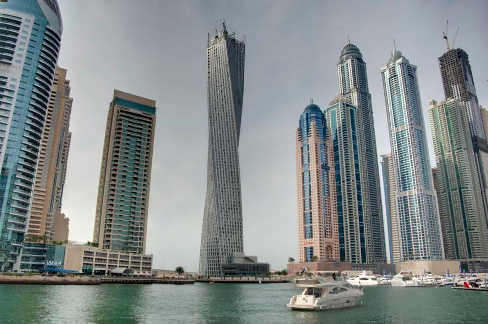 Världens högsta skruvade byggnad invigd