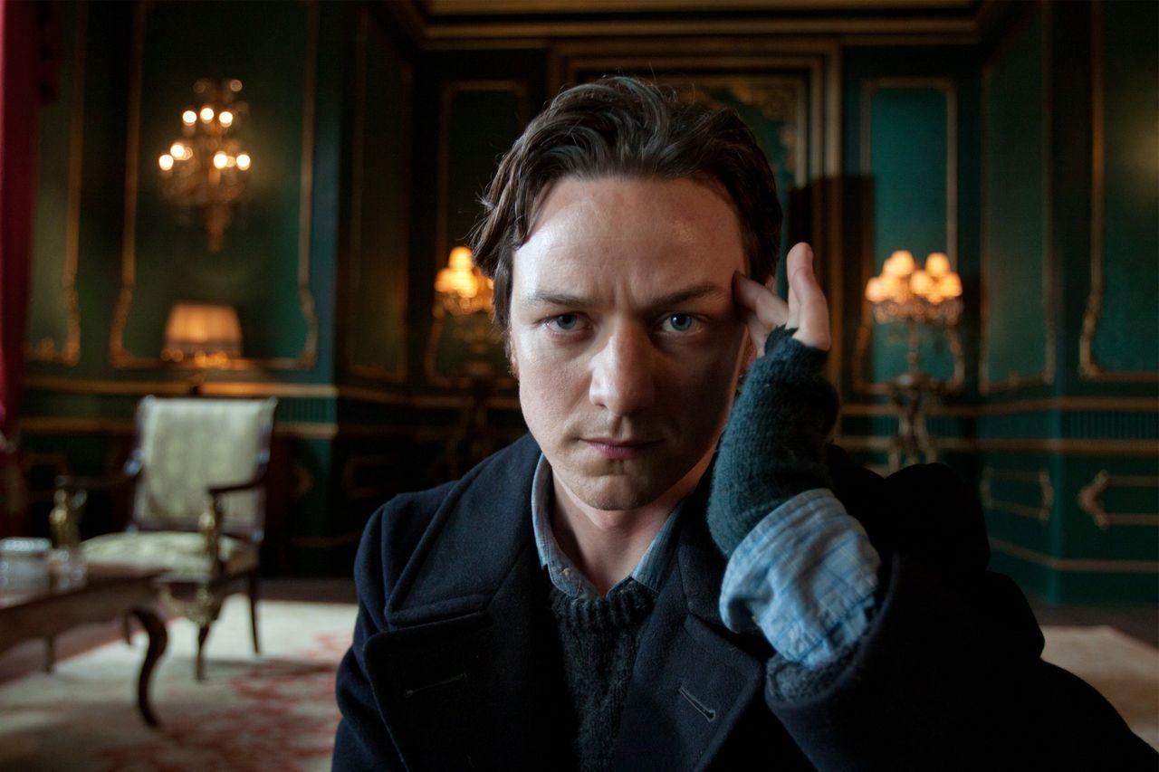 Han spelar Victor Von Frankenstein