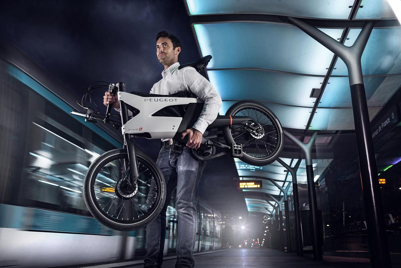 Peugeots elcykel i produktionsform