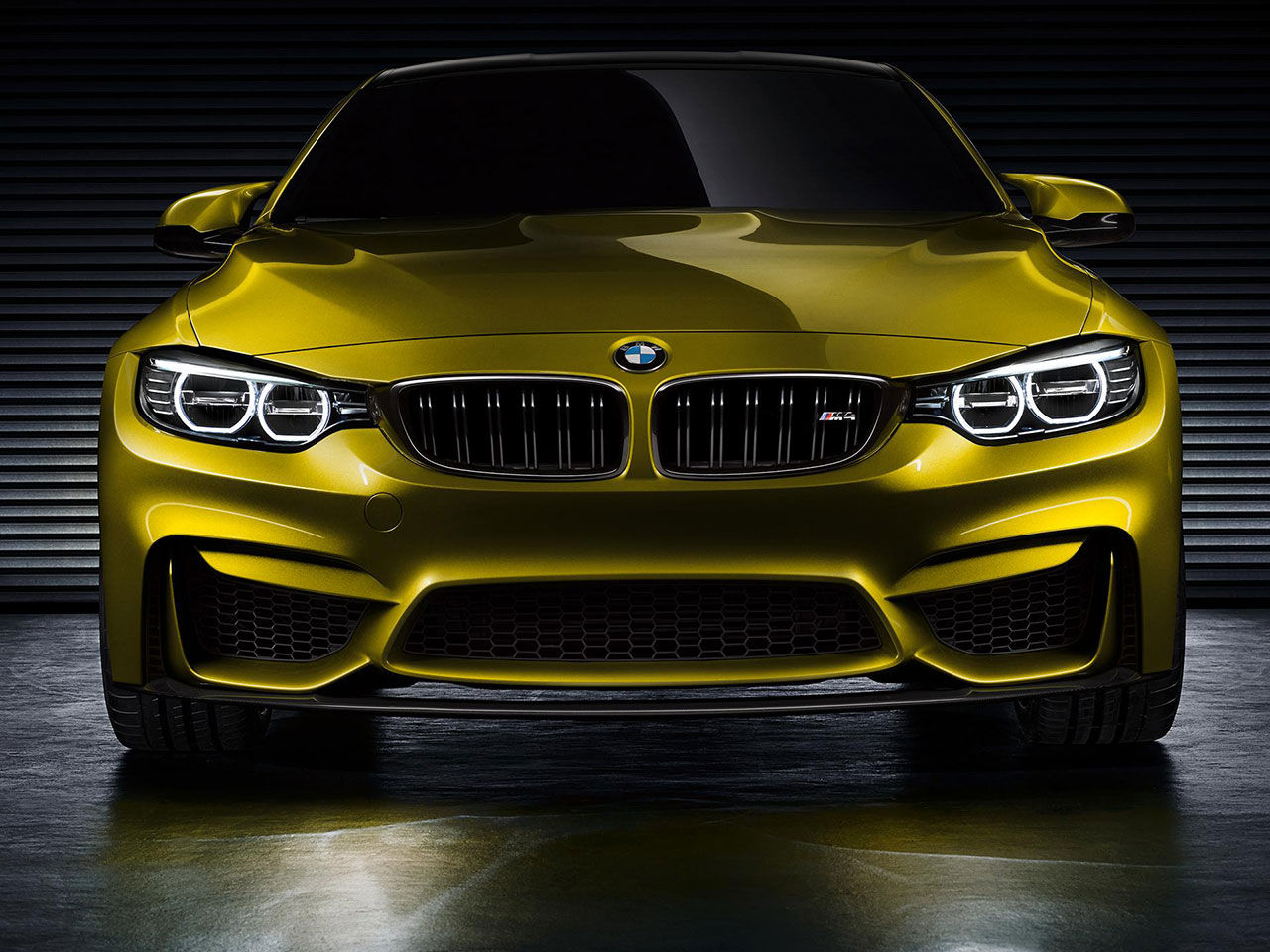 BMW M4 Concept läcker ut