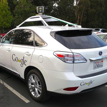 Google borjar bygga bilar