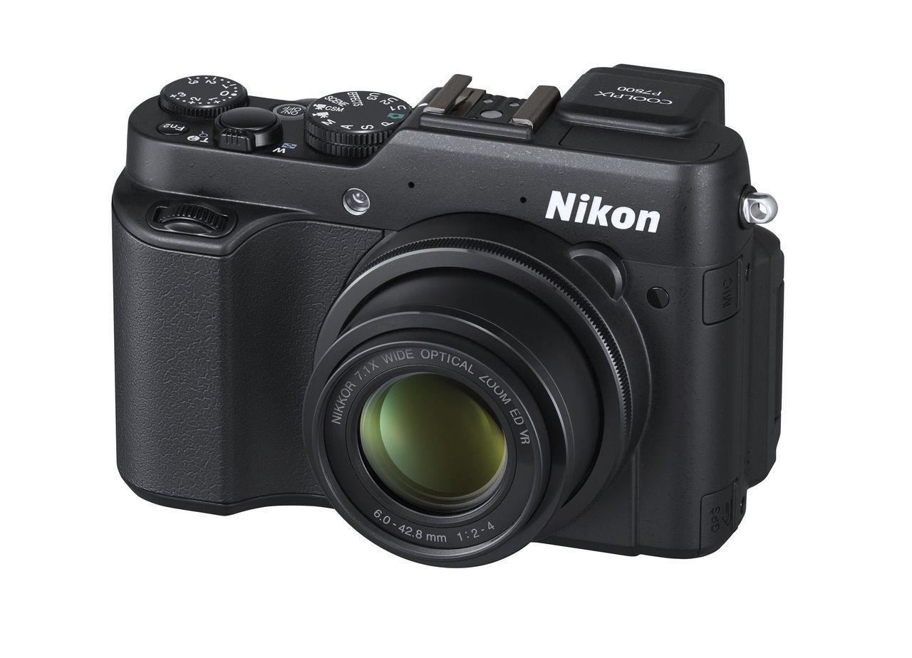 Två kompaktkameror från Nikon