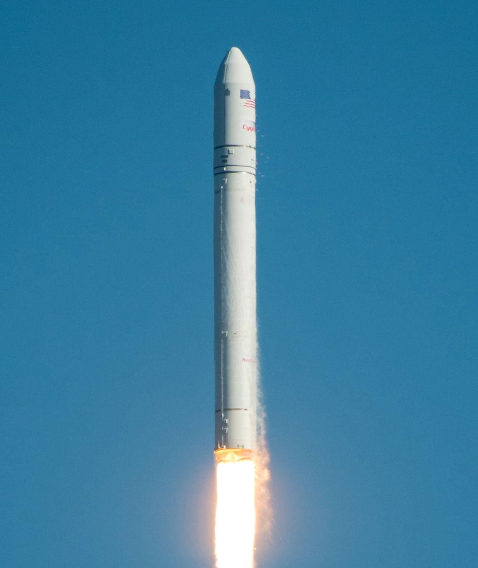 Privata raketen Antares uppskjuten till ISS