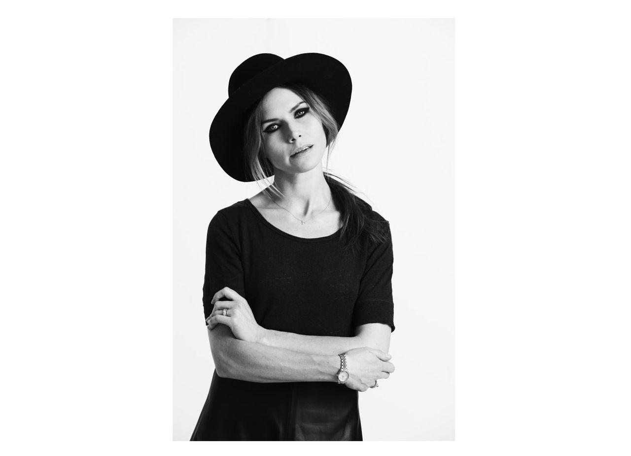 Nina Persson på storstadsturné