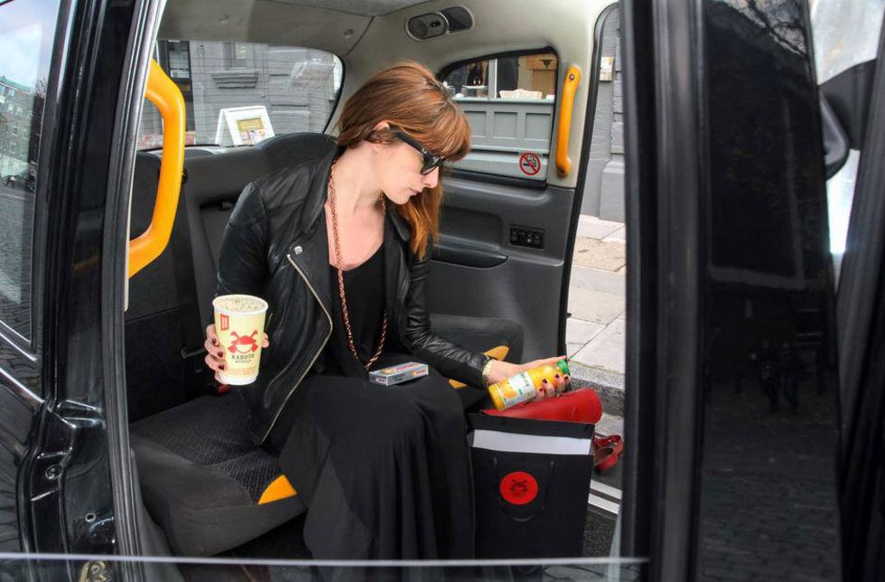 Boka nudlar och taxi efter julfesten
