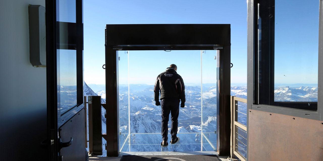 Kika på Mont Blanc Massif i ny glaskub