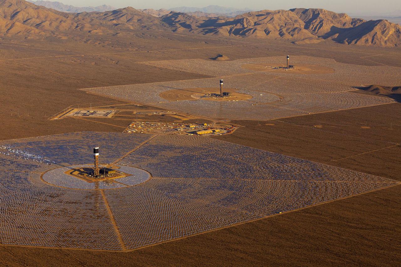 Världens största solenergi-kraftverk har nu kört igång
