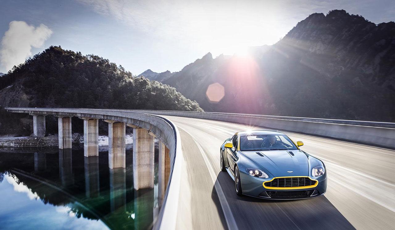 Aston Martin ställer ut specialversioner i Genève