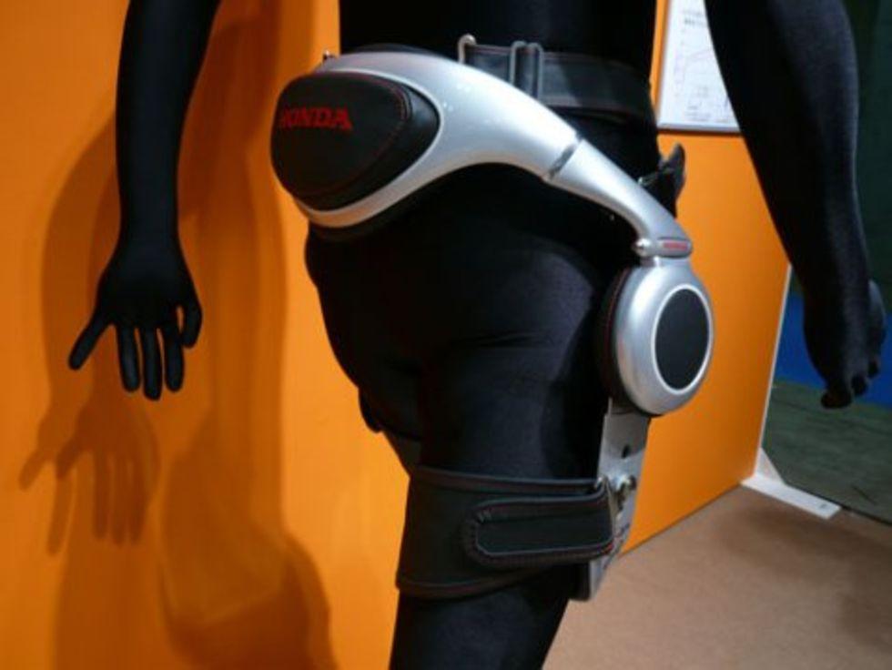 Honda använder robotteknik för att underlätta gåendet