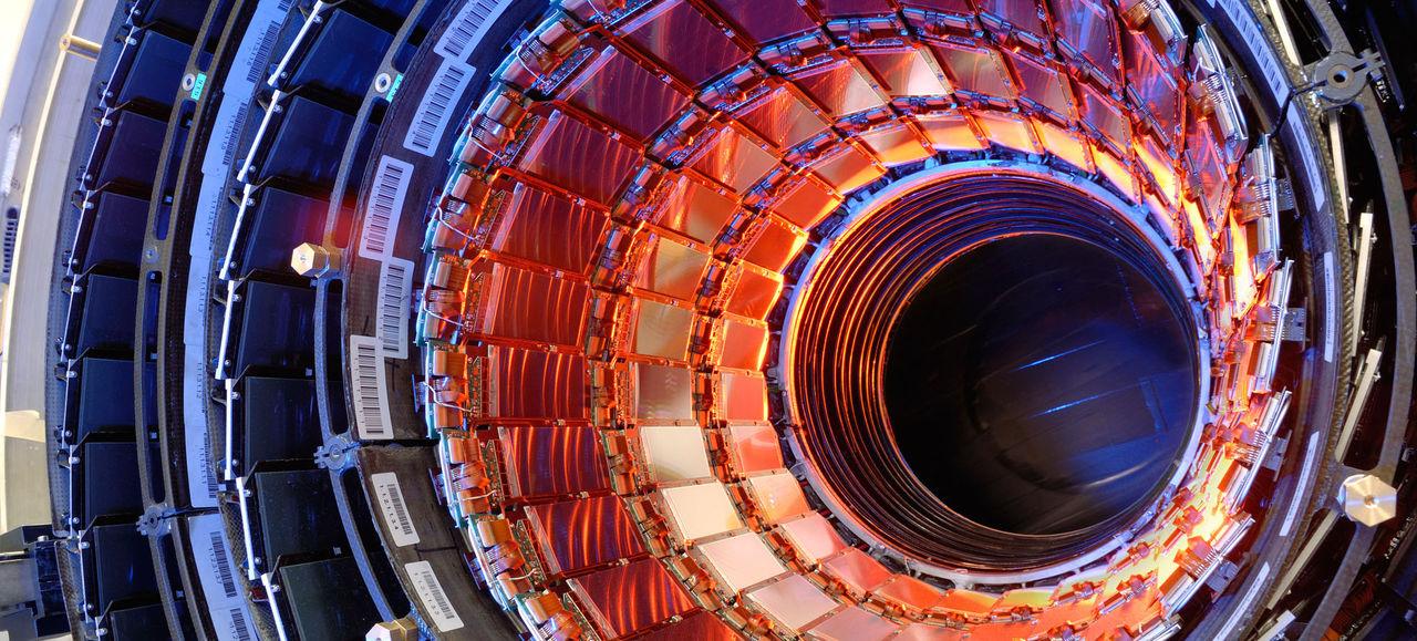 Large Hadron Collider hittar ny partikel