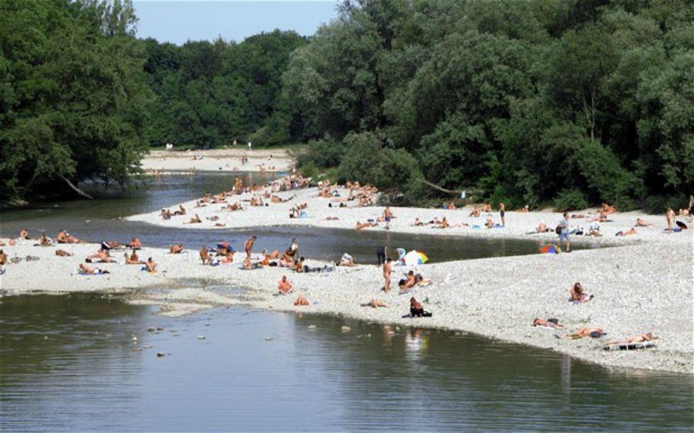 Nudister i München får gå näck