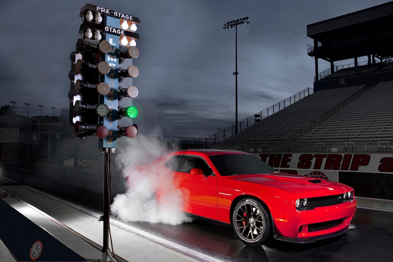 Dodge släpper lös Challenger SRT Hellcat
