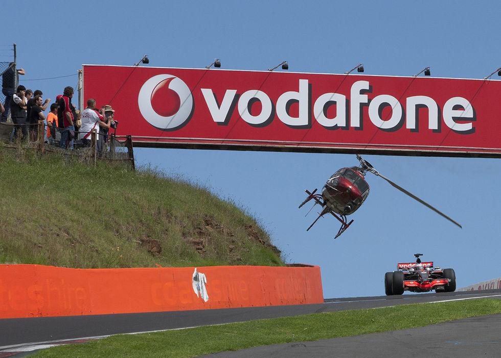Vodafone avslöjar att myndigheter avlyssnat via hemliga ledningar