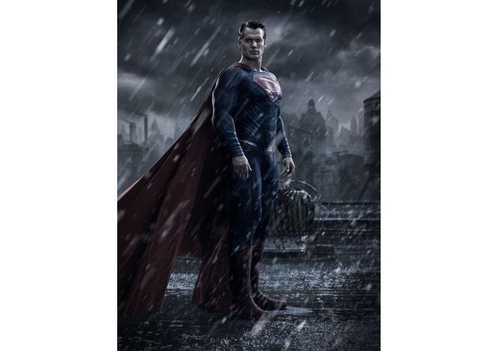 Första bilden på Henry Cavill i Batman v. Superman: Dawn of Justice