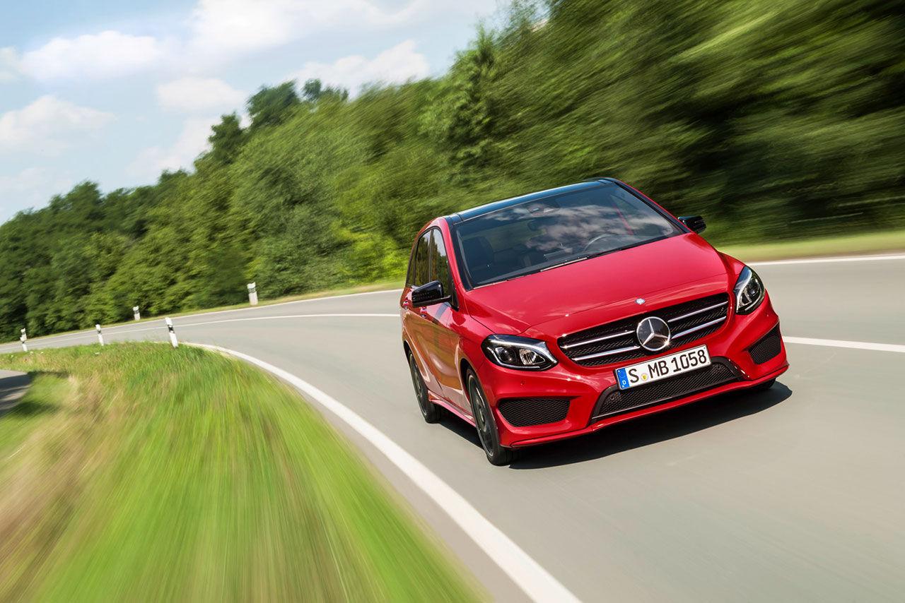 Mercedes lyfter B-Klass