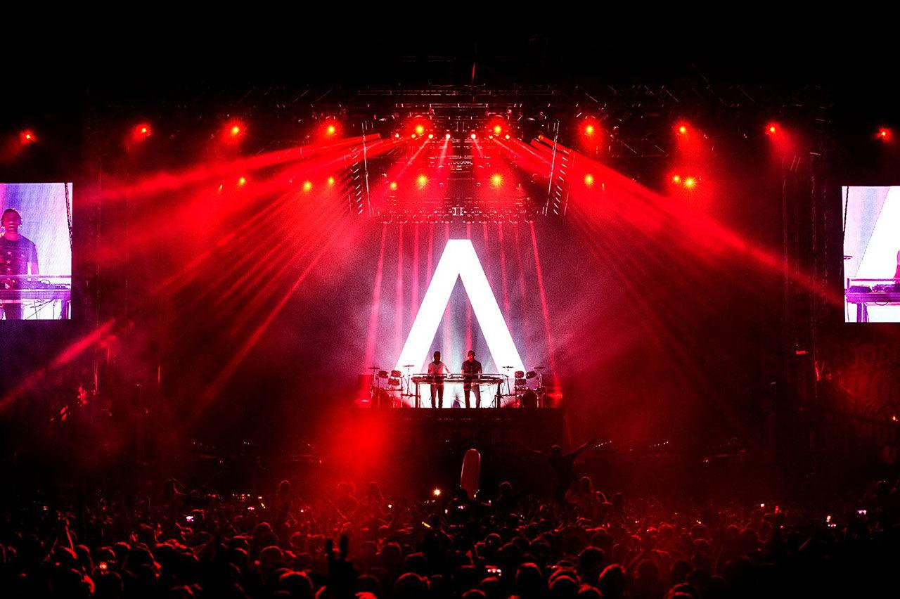 Axwell /\ Ingrosso skriver kontrakt med Def jam